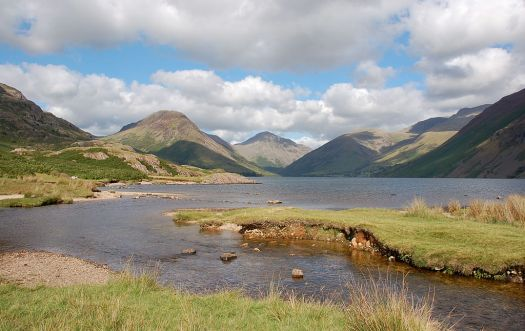 1024px-Wasdale_from_Wastwater_1
